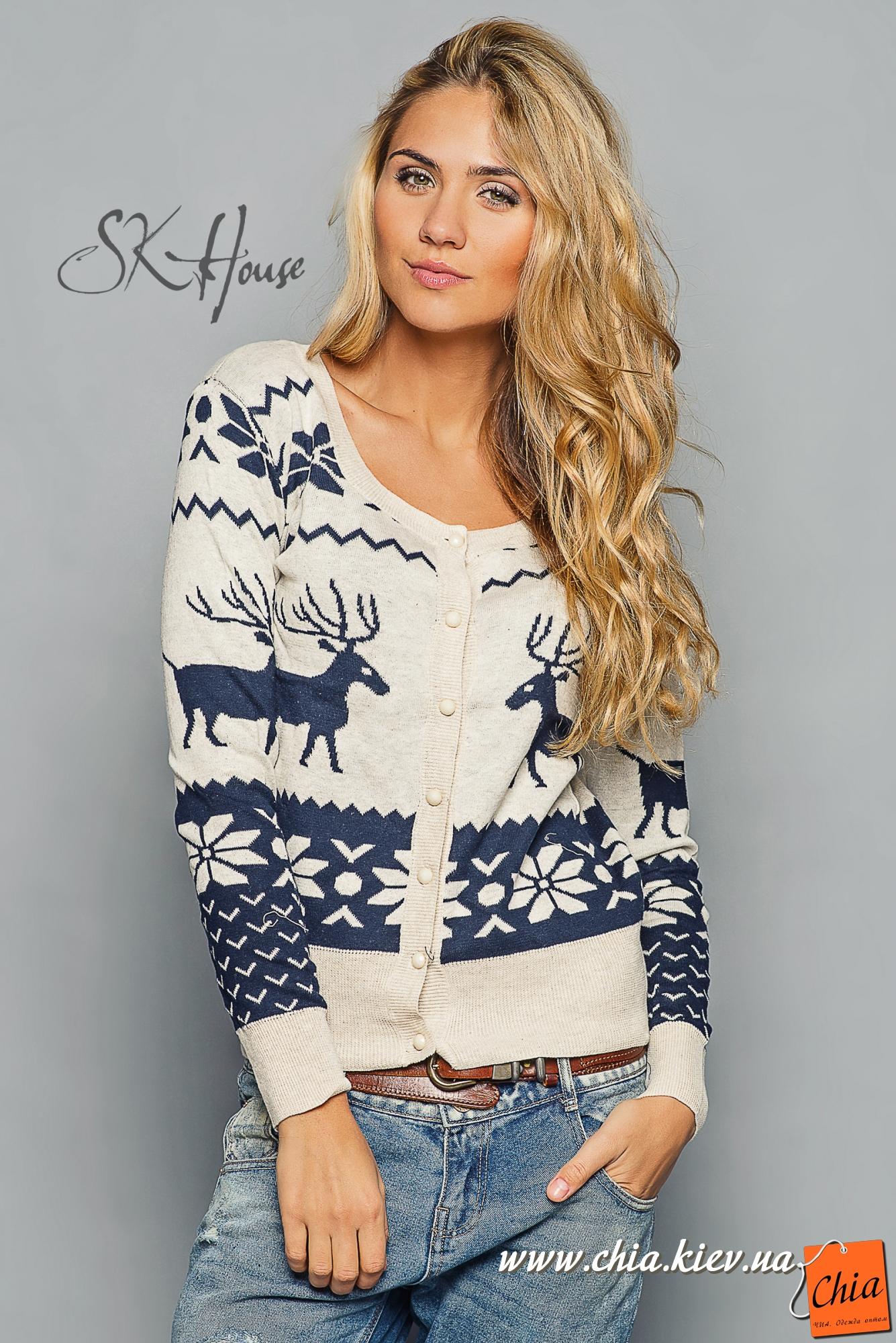 Теплый женский свитер с оленями 2015 - 2016 фото новинки